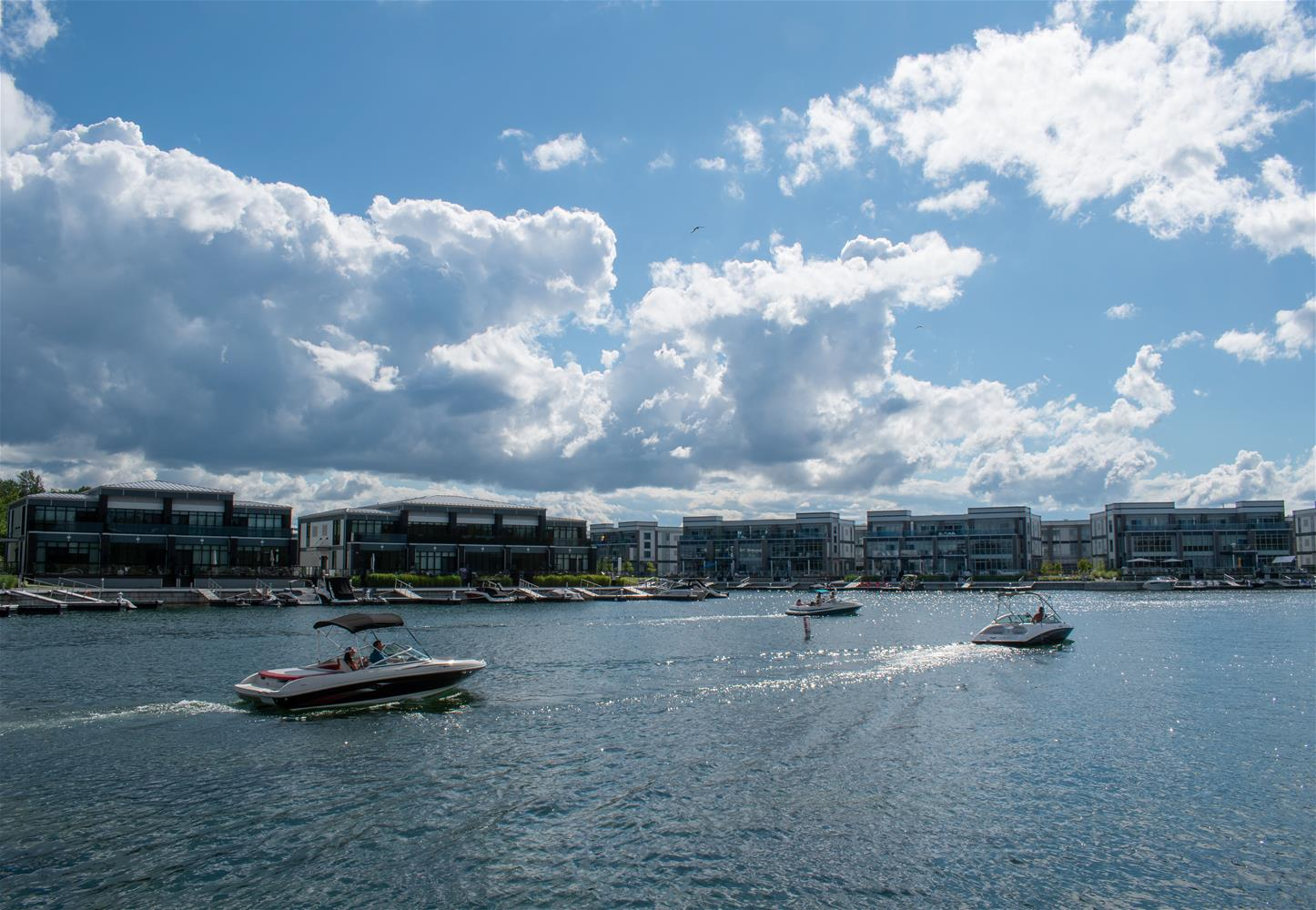 FridayHarbourboats_TourismBarrie